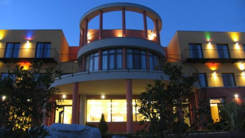 Sunset Hotel, l'estate continua