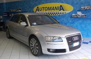 AUDI A8 4.0 V8 TDI Tiptronic Quattro Specifiche 10.900 € Tipologia: Berlina 149.000 Km Anno: 2004 Cilindrata: 4000 CC Cambio: Automatico Carburante: Diesel Cavalli: 275 Interni: Pelle Pelle blu, Navig., Sedili el.+mem., Tendine lat.+poster., Xeno, Sens. Park, BOSE, Cerchi l. 19″ http://www.automaniabesozzo.com/listing/audi-a8-4-0-v8-tdi-tiptronic-quattro/